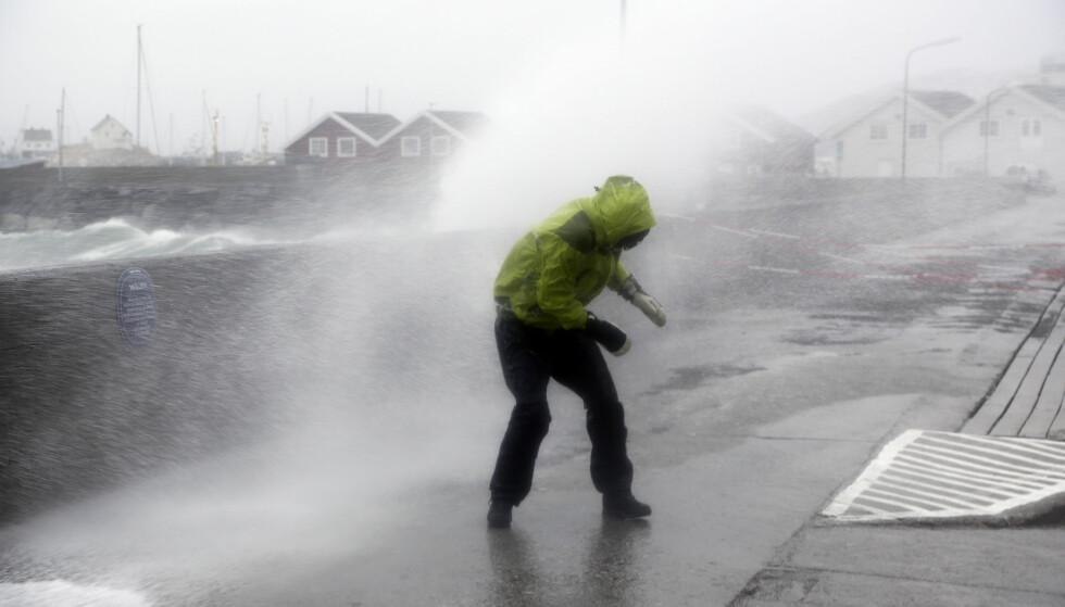"""EKSTREMVÆR: I 2015 traff ekstremværet """"Ole"""" land i Bodø. Foto: Marius Helge Larsen / NTB scanpix"""