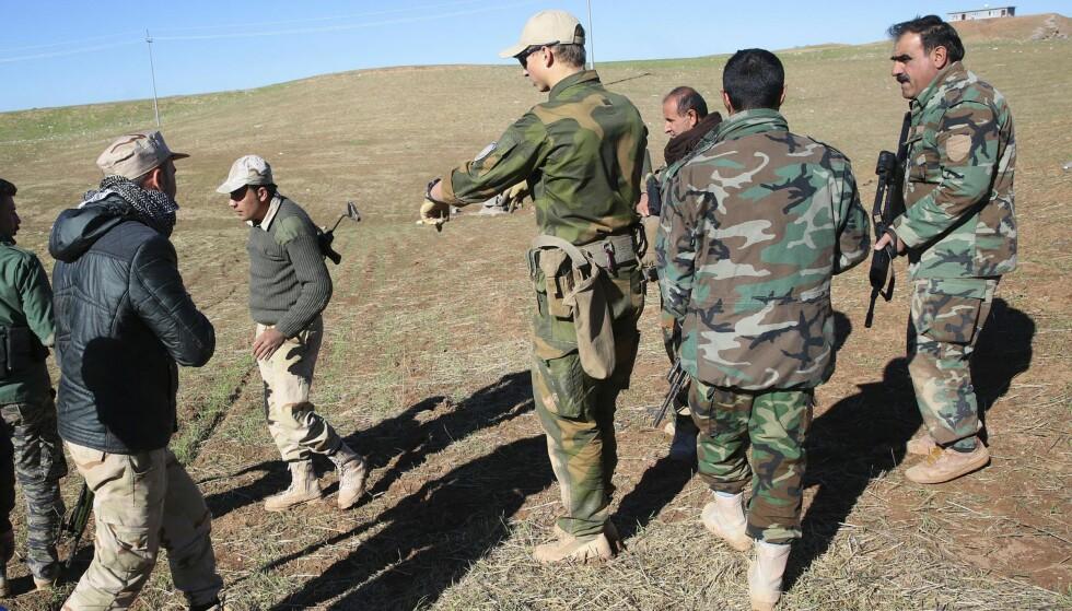 PROBLEMATISK: Norske soldater trener nå kurdiske soldater i Peshmerga-styrken i Nord-Irak.  Etter det nye lovforslaget om fremmedkrigere, er det tvilsomt om en norsk kurder kan reise til Nord-Irak for kjempe mot terrorgruppa IS.  FOTO: INGAR STORFJELL/ AFTENPOSTEN /NTB SCANPIX