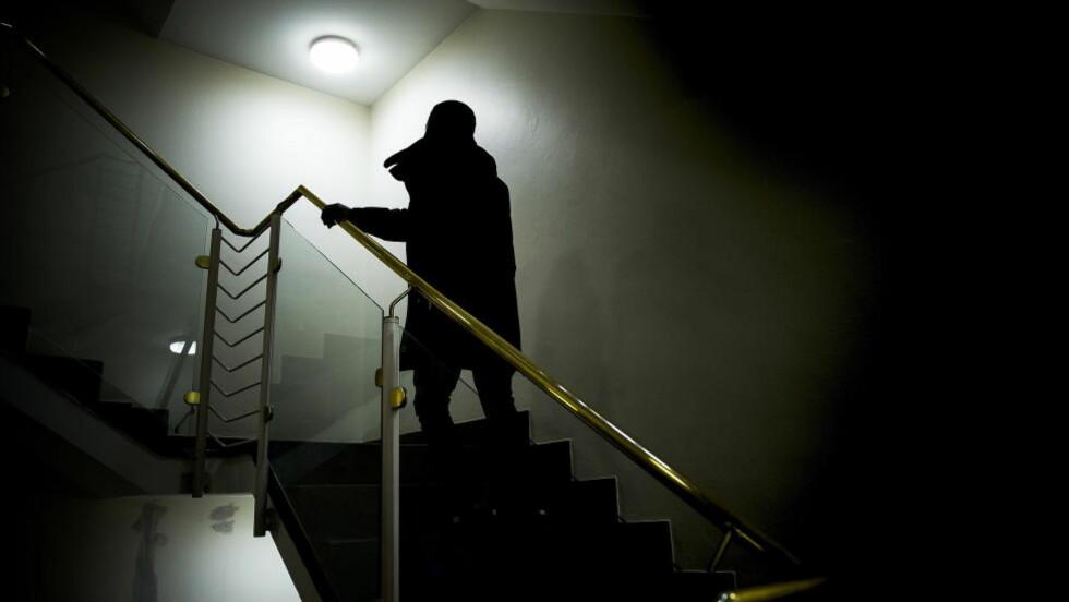 GROV VOLD OG TRUSLER: I løpet av sitt unge liv har Benjamin opplevd grov vold, voldtekt, trusler, og en voodoo-forbannelse. Han er ett av de barna som Dagbladet omtaler i serien Skyggebarna. Foto: BJØRN LANGSEM/DAGBLADET