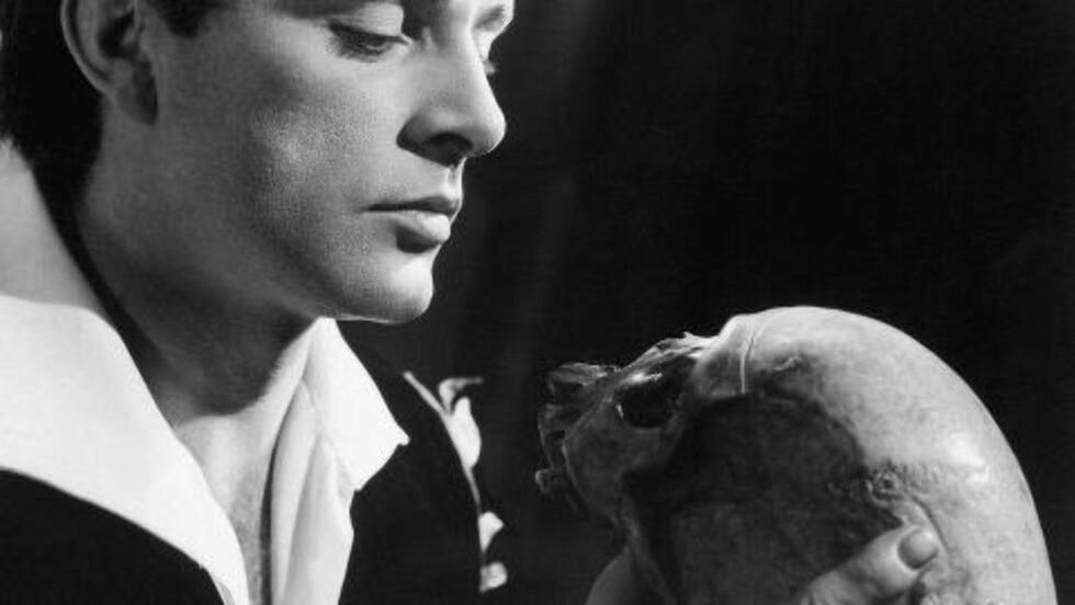 IKONISK: Hamlet, her spilt av Richard Burton er drømmerollen for mange skuespillere.