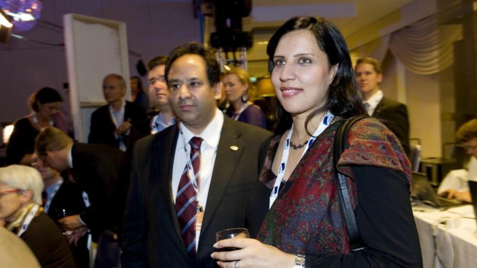 BYGG BROER!: Høyre-politikerne Aamir J. Sheikh og Afshan Rafiq oppfordrer til å bygge broer mellom religionene. Foto: Mimsy Møller / Samfoto / NTB Scanpix
