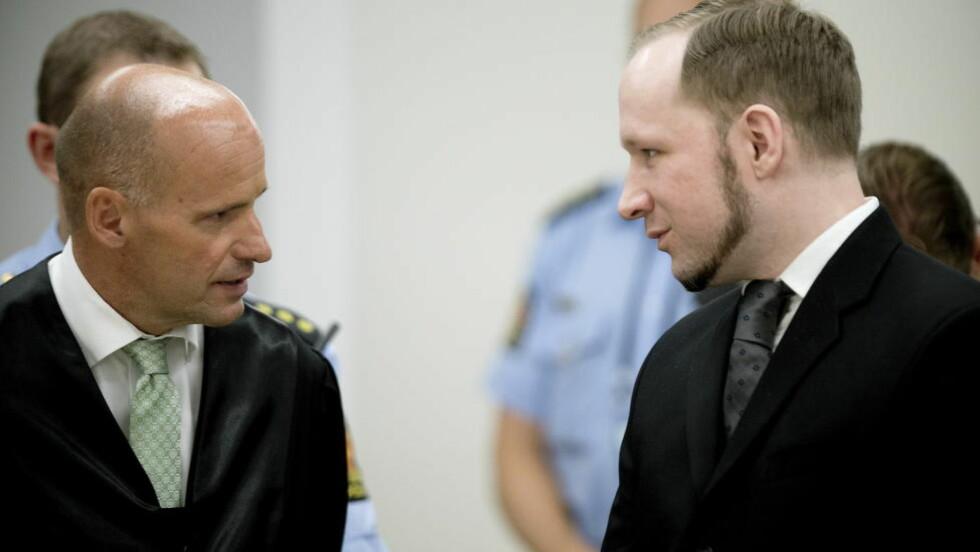 STATEN BETALTE: Geir Lippestad forsvarte Anders Behring Breivik på statens regning, men når straffesaken nå er ferdig må han selv betale selv. Hvorfor får han likevel gratis advokathjelp? spør artikkelforfatteren. Foto: Bjørn Langsem / Dagbladet