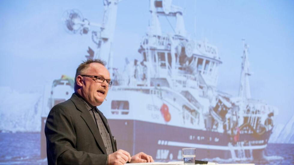 NY FISKERIMINISTER: Per Sandberg er de store investorenes mann. Her taler han under Sjømatdagene på Hell. Foto: NTB Scanpix
