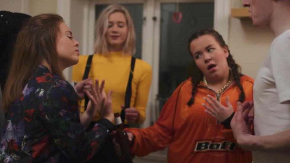 SNAKKIS: Nettserien «Skam» er den store tv-snakkisen om dagen. Her fra sesong to, som startet på P3.no i forrige uke. Foto: NRK