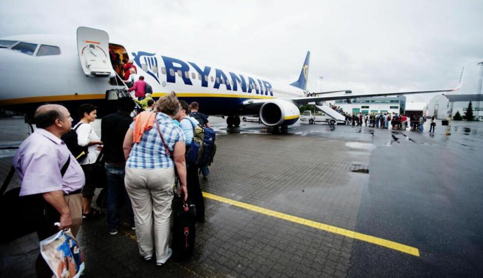 RYANAIR RØMMER: Rygge flyplass må trolig avvikles om Ryanair forsvinner. - Gode nyheter, mener Venstre-leder Trine Skei Grande. Foto: John Terje Pedersen