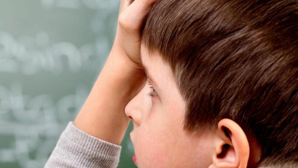 FALLER FRA: Gutter gjør det markant dårligere enn jenter i skoleverket, både i karakterer, orden, oppførsel, og gjennomføringsevne. Da må det spørres om hvordan skolen kan bli mindre av en bortebane for dem. Foto: Scanpix.