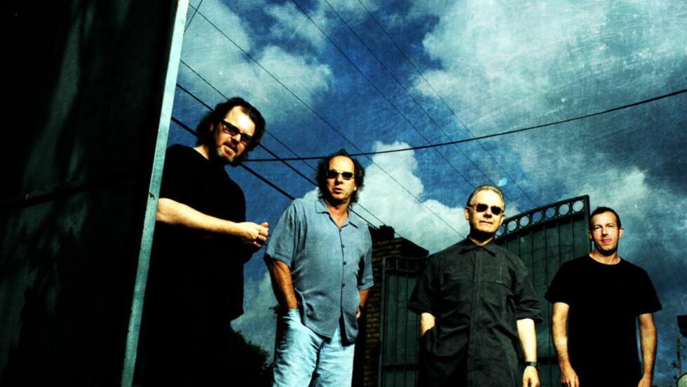 STOR STAS: Poprockgruppa King Crimson på Norgesbesøk. Robert Fripp, Adrian Belwe, Trey Gunn og Pat Mastellotto holdt to konserter i her.