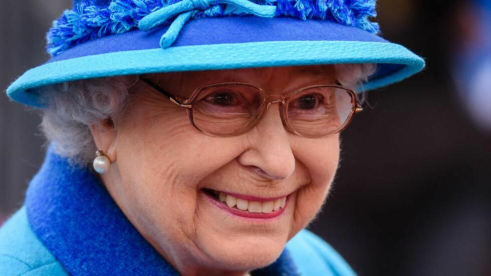 INGEN OVER, INGEN VED SIDEN: I dag har dronning Elizabeth II regjert lenger enn dronning Victoria, og er dermed den lengst sittende monarken i Storbritannias historie. Fremdeles gir hun ikke intervjuer. Tilbakeholdenheten har som regel vært et sunt instinkt. Men iblant ikke. Foto: Scanpix.