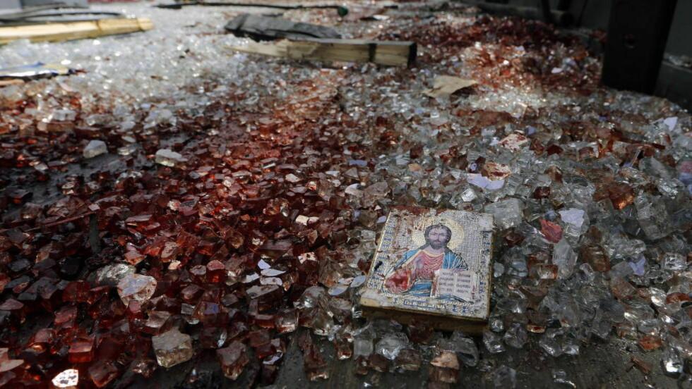 UKRAINA BLØR: Etter kampene ved Donetsk flyplass for et år siden. REUTERS/Yannis Behrakis/Scanpix