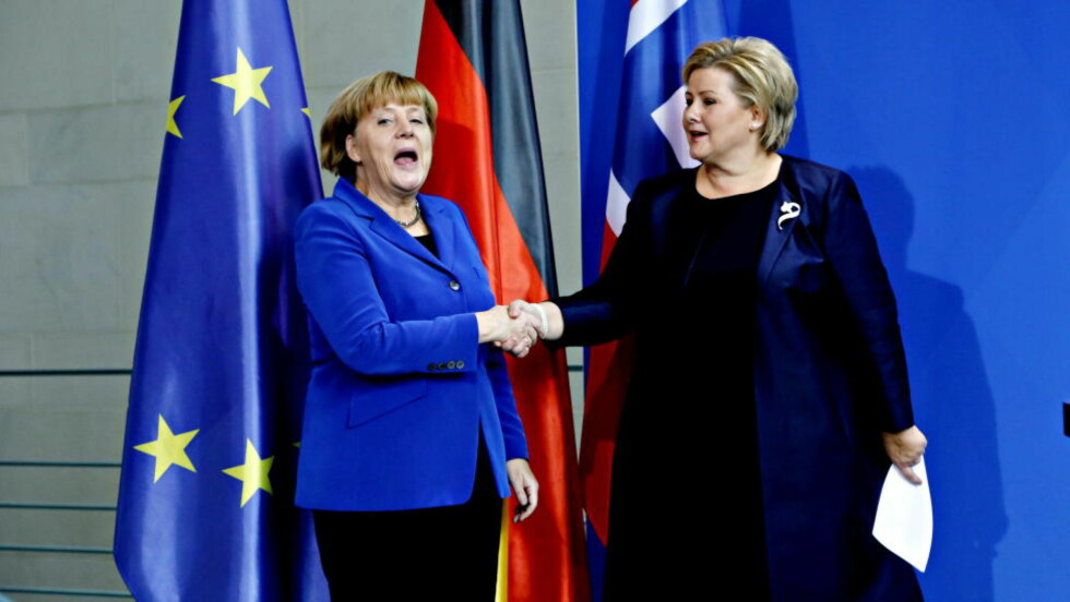 Erna Solberg på besøk hos Angela Merkel i Berlin. Foto: Jascques Hvistendahl
