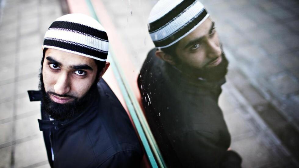 -  FARLIG:  Fahad Qureshi, leder av nettstedet Islam Net, driver med hjihad i Allahs navn mot det norske samfunnet, og den vestlig kultur, i religionsfriheten navn, skreiver artikkelforfatteren. Foto: Scanpix