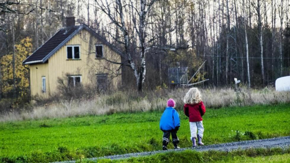 SAMARBEIDSPARTIENE er enige om en ny strategi som vil bidra til å sikre en bedre hverdag for de over 80.000 barn og unge i Norge som vokser opp i fattige familier.   Foto: NTB Scanpix