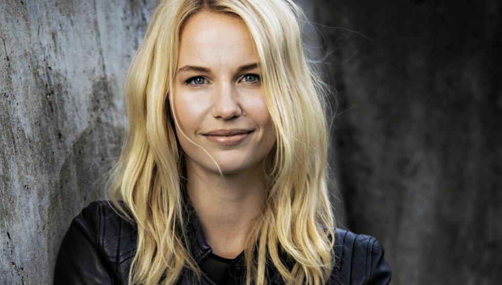"""FRIHET?  Karine Thyness, redaktør i Det Nye, hevder at dersom du føler deg nødt til å sminke deg før du går ut døra,er du litt mindre fri. Men er """"en hyllest til naturlig skjønnhet"""" vår vei til frihet? Undrer kronikkforfatteren seg. Foto: Jørn H. Moen / Dagbladet"""