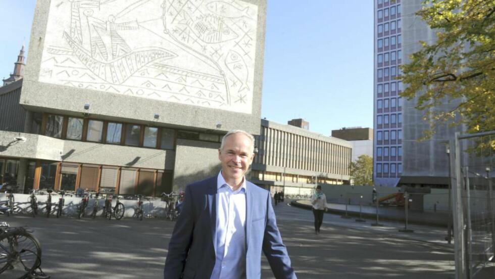 Kommunal- og moderniseringsminister Jan Tore Sanner vil kvitte seg med Y-blokka.