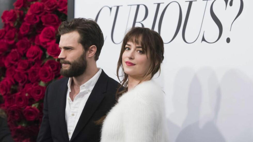 Jamie Dornan  og Dakota Johnson  spiller hovedrollene i den nye filmatiseringen av bokserien «Fifty Shades of Grey».