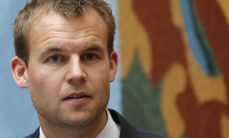 TEAM: Kjell Ingolf Ropstad (Krf) er vi glad for at KrF fikk gjennomslag for egne menneskehandelteam i alle politidistrikter. Foto: Vidar Ruud / NTB Scanpix