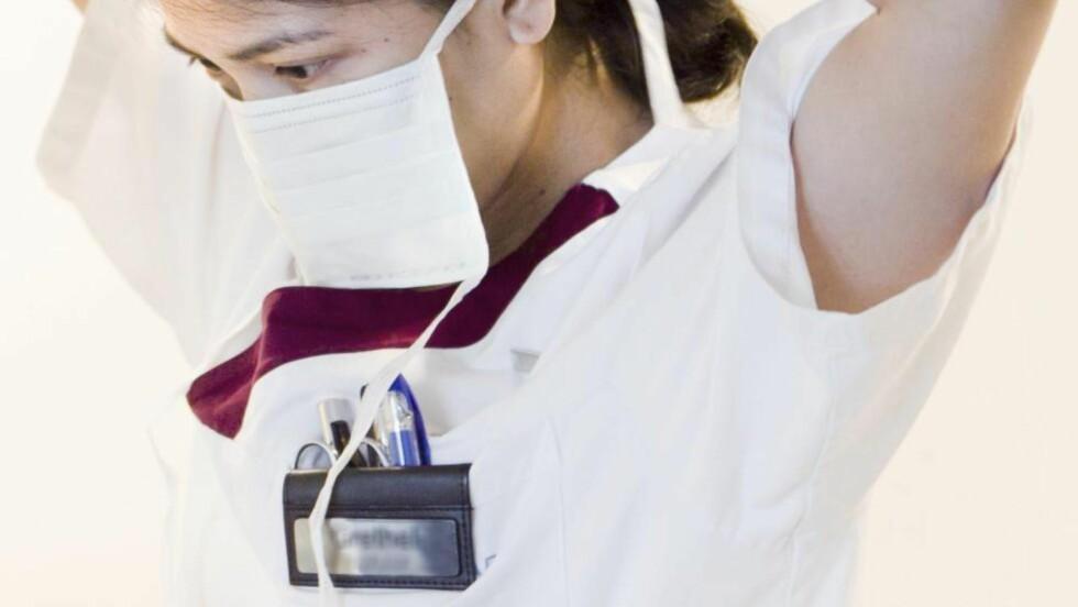 NOE MÅ GJØRES: Om 20 år ventes en underdekning på 57.000 helsefagarbeidere. Foto: SCANPIX