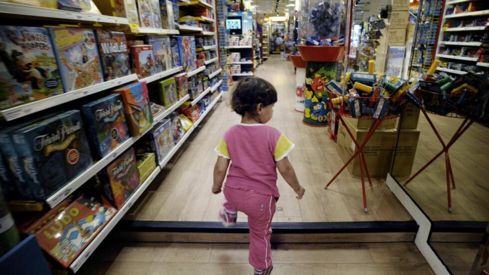 Det er lite rom for å tenke utenfor de tradisjonelle kjønnsrollemønstrene i leketøysbutikker. Foto: John T. Pedersen/Dagbladet
