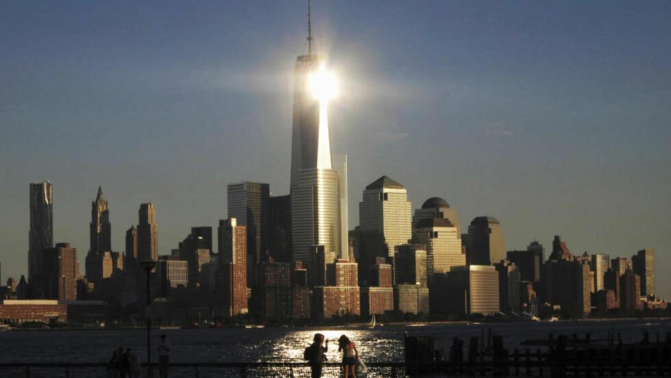 VISUELT DRAMA: Et fyrtårn i «dialog» med sine omgivelser. Slik omtaler kritikeren Blair Kamin One World Trade Center, tidligere omtalt som Freedom Tower. Foto: REUTERS/Gary Hershorn