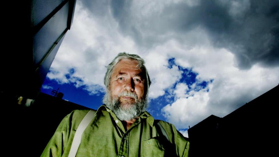 JUBILERER: I november rundet Tor Åge Bringsværd 75 år, noe han feirer med utgivelse av tre romaner. Dessuten kommer et utvalg med forord av Anders Heger, under tittelen «Tilfeldighetene er våre venner». Foto: Jeanette Landfald/Dagbladet.