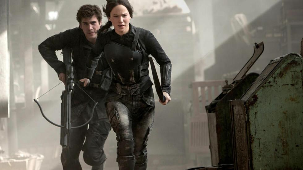 FLYTTET GRENSER: Filmaktuelle «Hunger Games» har sprengt grensene for hvor mørk ungdomslitteraturen kan bli. Det er helt greit. Men ikke alle de blodige ungdomsbøkene som har kommet etterpå er like spennende. Foto: FILMWEB