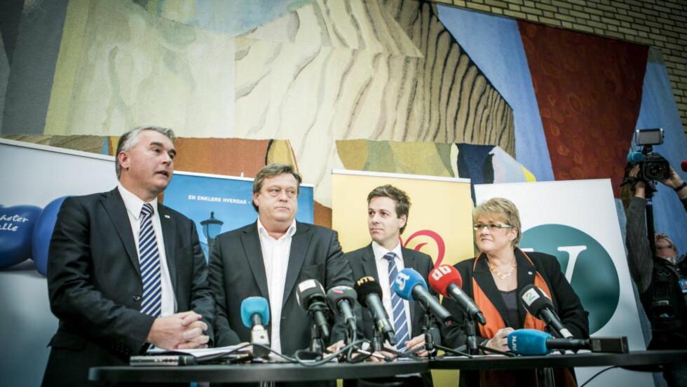 BUDSJETTKAMERATER: Trond Helleland (H), Harald Tom Nesvik (Frp), Knut Arild Hareide (KrF) og Trine Skei Grande (V). Foto: Christian Roth Christensen / Dagbladet.