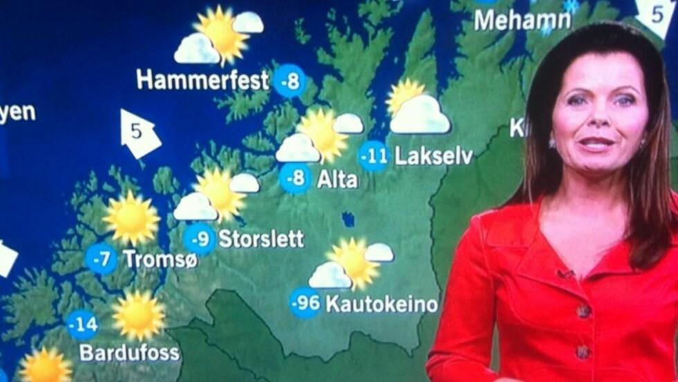 ADVARTE:  Midt i flomskadene på Vestlandet fikk vi klar beskjed av Bente Wahl: Snart må plenen klippes året rundt!