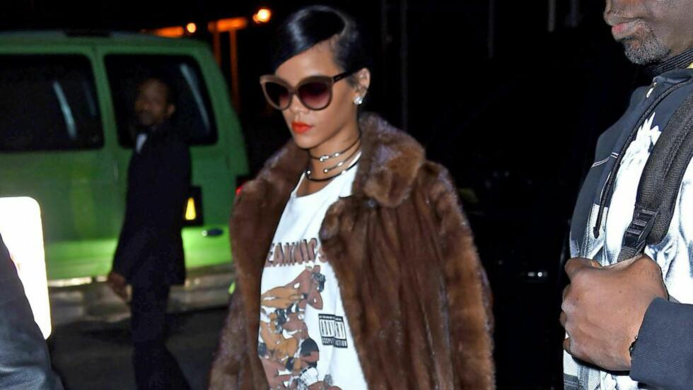 <strong>NY GENERASJON:</strong> /b&gt;Unge, skuldertrekkende stjerner som Rihanna er pelsbrukere, selv om plaggene er blitt for belastende for kongehus og førstedamer. Foto: Stella Pictures