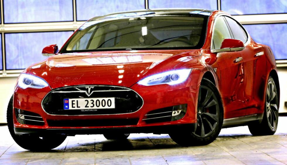 Tesla er vinneren av Folkets favorittbil, men er også symbol for alle som misliker elbilpolitikken. Foto: Jacques Hvistendahl / Dagbladet