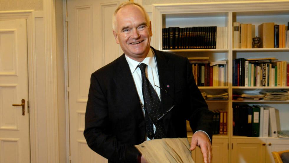 OLD SCHOOL:  Næringslivsleder Trond Mohn fnyser av at vi må jobbe smartere. Hardt arbeid er det som skal til.    Foto: Helge Hansen/Dagbladet
