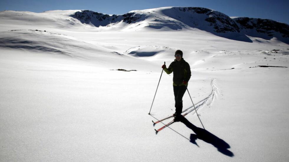 b>ALTERNATIVET: Tre av fire nordmenn er imot flere snøskutere i norsk natur. Bruk heller pengene på å få folk ut i naturen på egne bein, skriver DNT. Foto: Bølstad,Geir/Dagbladet.