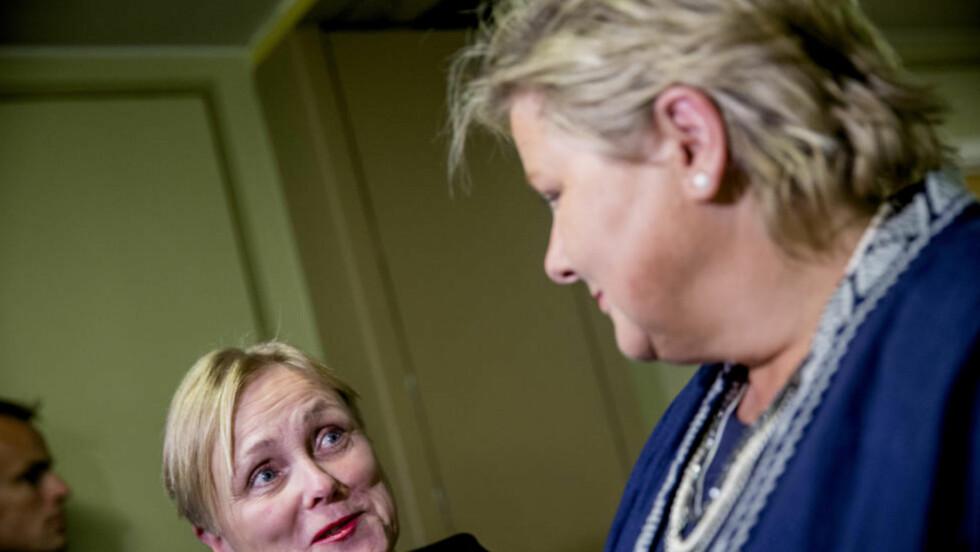GORDISK: Dei fekk stortingsgruppa til å hogga over knuten, Thorhild Widvey og Erna Solberg. Foto: NTB/Scanpix Foto: Stian Lysberg Solum / NTB scanpix