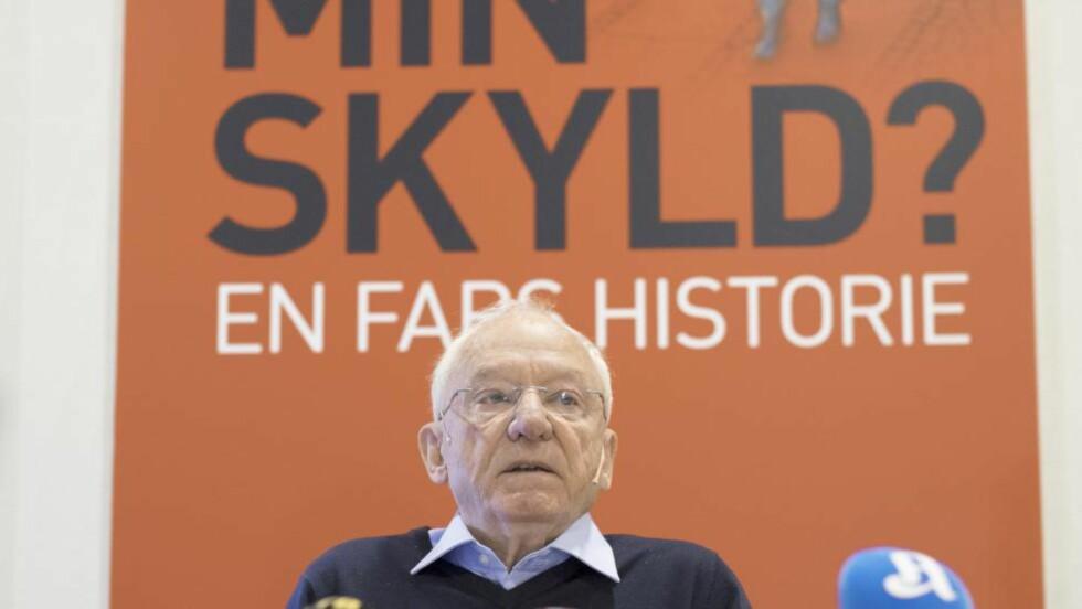 FORTELLER SIN HISTORIE: I går presenterte Jens Breivik boka «Min skyld? En fars historie» med sine tanker rundt sønnens terrorangrep 22. juli 2011. (AP Photo, NTB Scanpix, Torstein Boe)