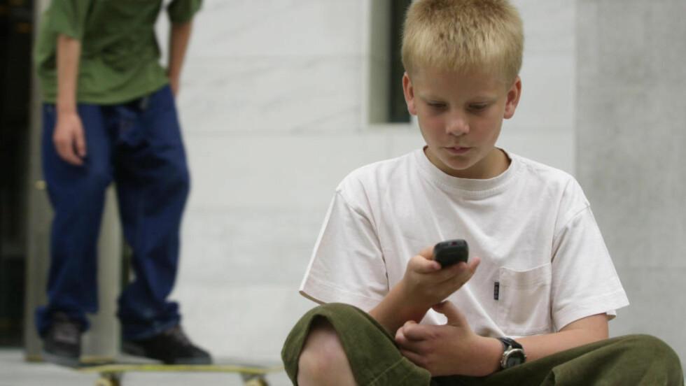 - FARLIG: På sikt vil GPS-sporing undergrave ungenes tillit til både teknologi og samfunnet rundt dem, skriver artikkelforfatterne. Foto: Erlend Aas / SCANPIX