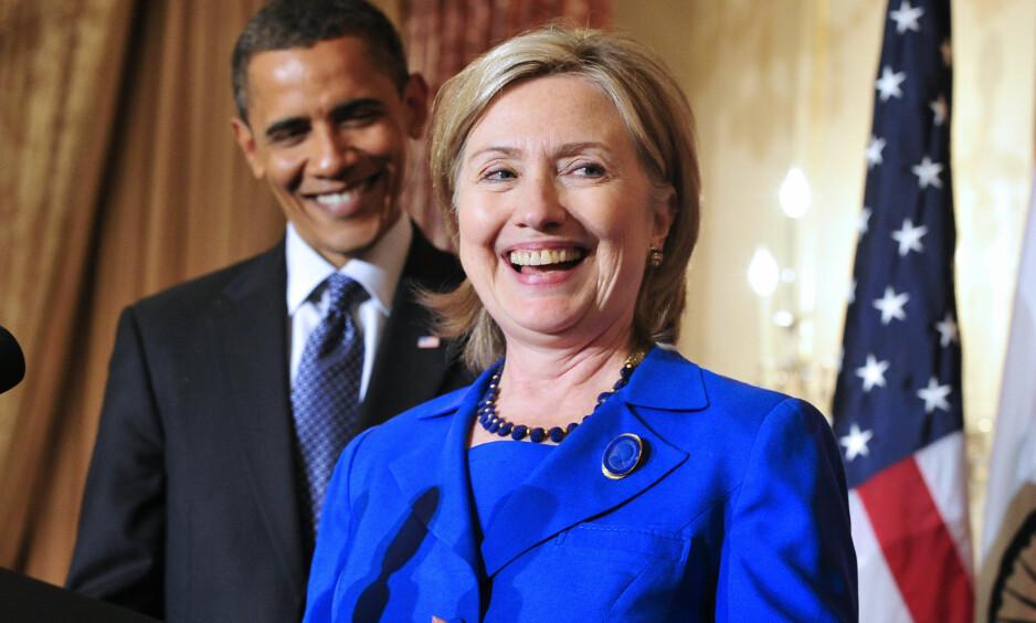 KOMMUNISERTE: Barack Obama skal ha sendt mail under et fiktivt navn til Hillary Clintons private e-post server. Foto: Scanpix