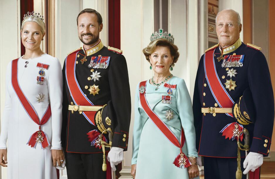 MANGE EIENDOMMER: Kronprins Haakon og kong Harald har flere flotte eiendommer. Deres koner er ikke registrert med noen. Foto: Det kongelige hoff Jørgen Gomnæs / NTB scanpix
