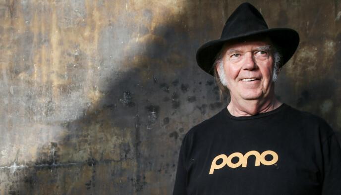 ENGASJERER SEG: Musiker Neil Young kommenterer den politiske utviklingen i USA via egen hjemmeside. Foto: Rich Fury/Invision/AP/NTB