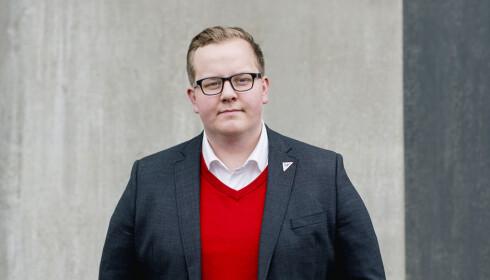 KRITISK TIL KOSTNADENE: Eirik Faret Sakariassen (SV) mener festene blir for dyre.Foto: Privat
