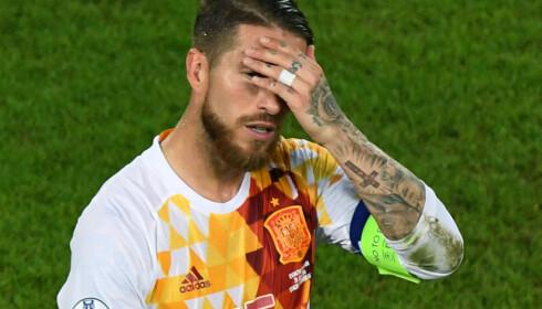 SVIKTET: Andres Iniesta var klar til å ta straffen, men Sergio Ramos følte seg selvsikker og overtok ansvaret, forteller Iniesta til Marca. Det gikk ikke bra. Foto: AFP PHOTO / MEHDI FEDOUACH