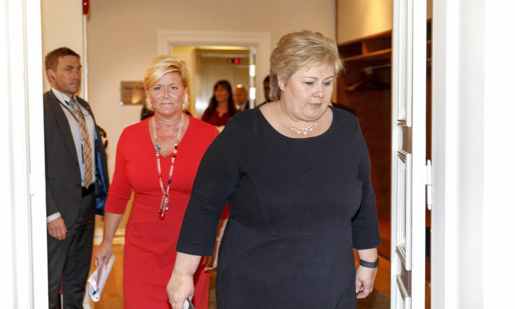 Oslo  20160624. Statsminister Erna Solberg (t.h) og finansminister Siv Jensen kommenterer resultatet av folkeavstemmingen i Storbritannia fredag formiddag. Foto: Gorm Kallestad / NTB scanpix
