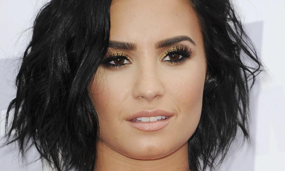ÅPENHJERTIG: Fire år etter at hun åpnet opp om psykiske problemer går Demi Lovato fortsatt på møter med Anonyme Alkoholikere. Foto: SCANPIX