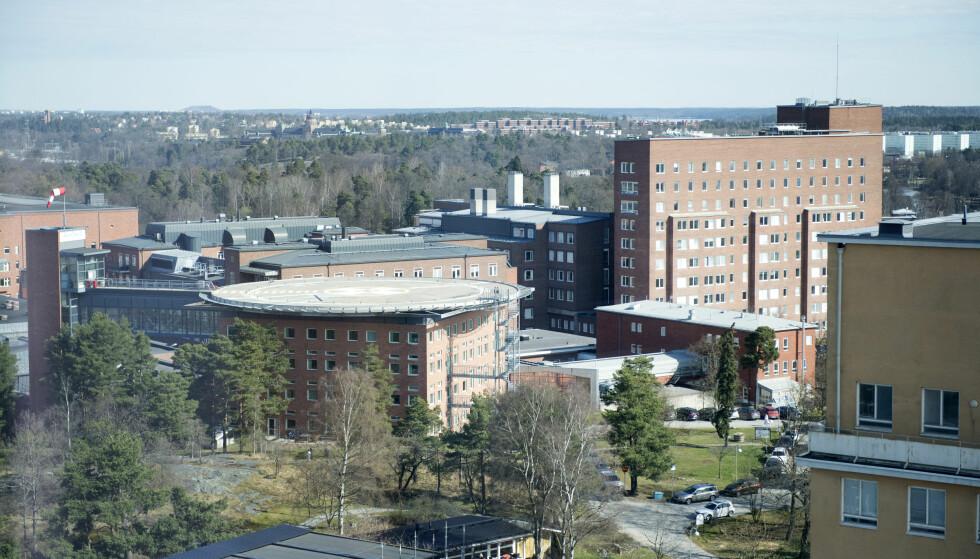 52 SMITTET: 52 pasienter ved Karolinska universitetssjukhuset i Solna har blitt smittet av en antibiotika-resistent bakterie. Bildet viser den gamle delen av Karolinska sjukhuset i Solna. Foto: Jessica Gow / TT
