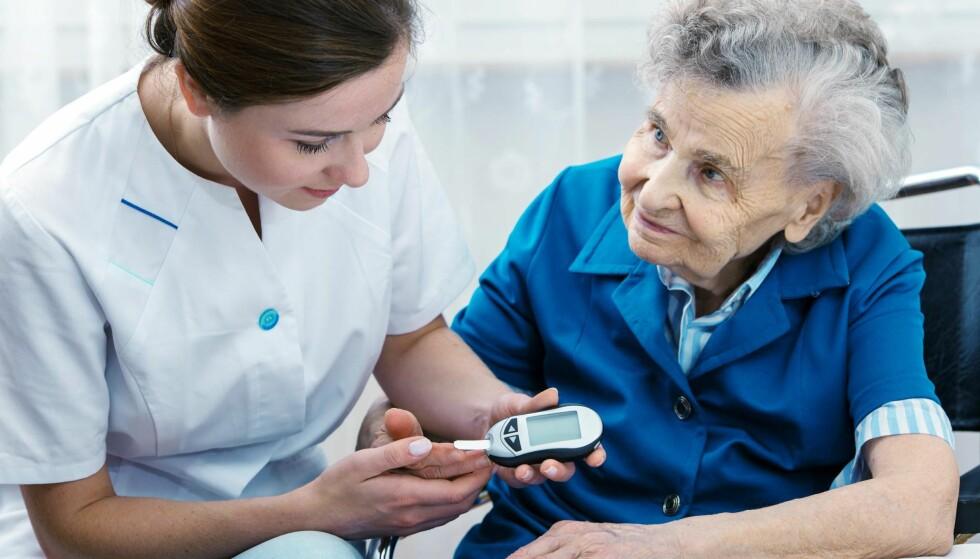 Livsstil: Enn sunn livsstil og et variert kosthold reduserer risikoen for demens og diabetes, mener ekspertene. Foto: Alexander Raths / Shutterstock