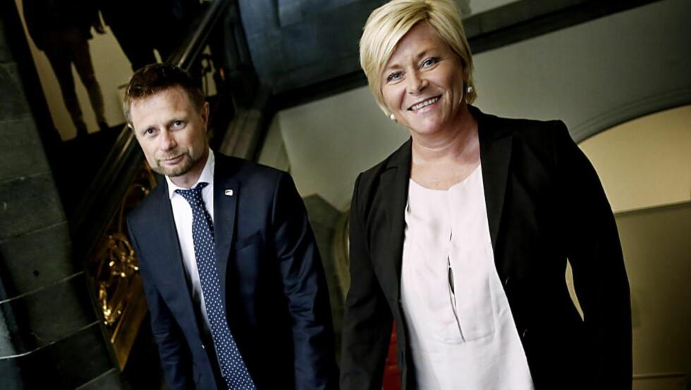 KRISEVINGLINGSKRITIKK:Siv Jensen og Bent Høie står sammen om kritikk av Støres krisepolitikk.  Foto: Jacques Hvistendahl / Dagbladet