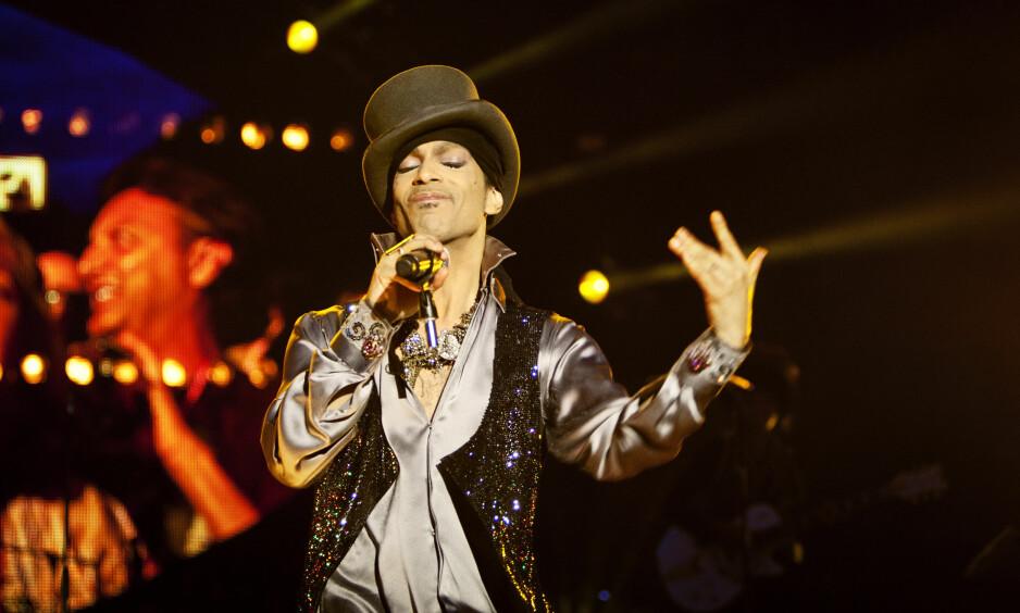 OVERDOSE: Rettsmedisinere kom fram til at artisten Prince' (bildet) dødsfall skyldtes en overdose med fentanyl. Nå slår svensk politi alarm om misbruk av stoffet. Foto: Ritzau.