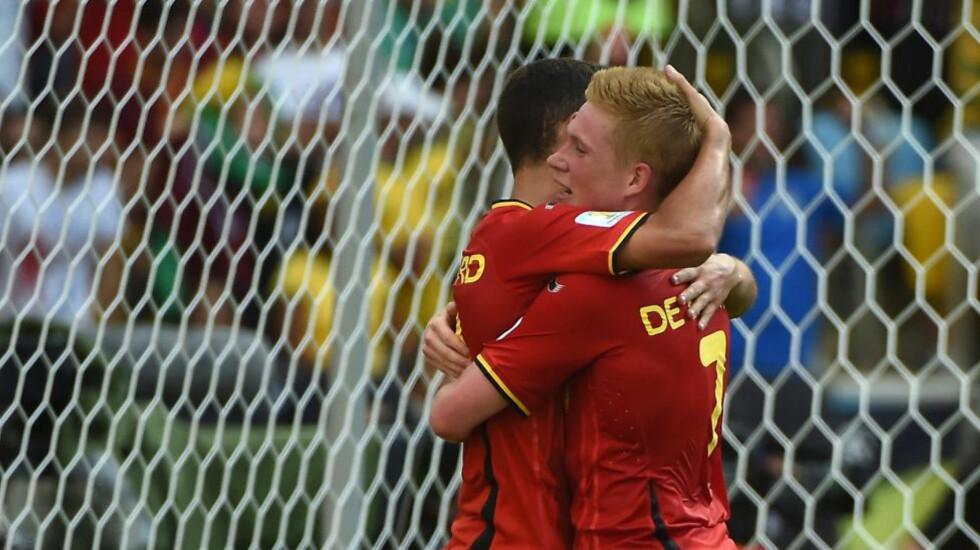 DREAM TEAM: Disse to, Eden Hazard og Kevin de Bruyne, scoret fem mål hver i Belgias EM-kvalifisering. Belgia har et stjernespekket lag og kan med litt flyt og selvtillit vinne mesterskapet. FOTO: AFP PHOTO / CHRISTOPHE SIMON
