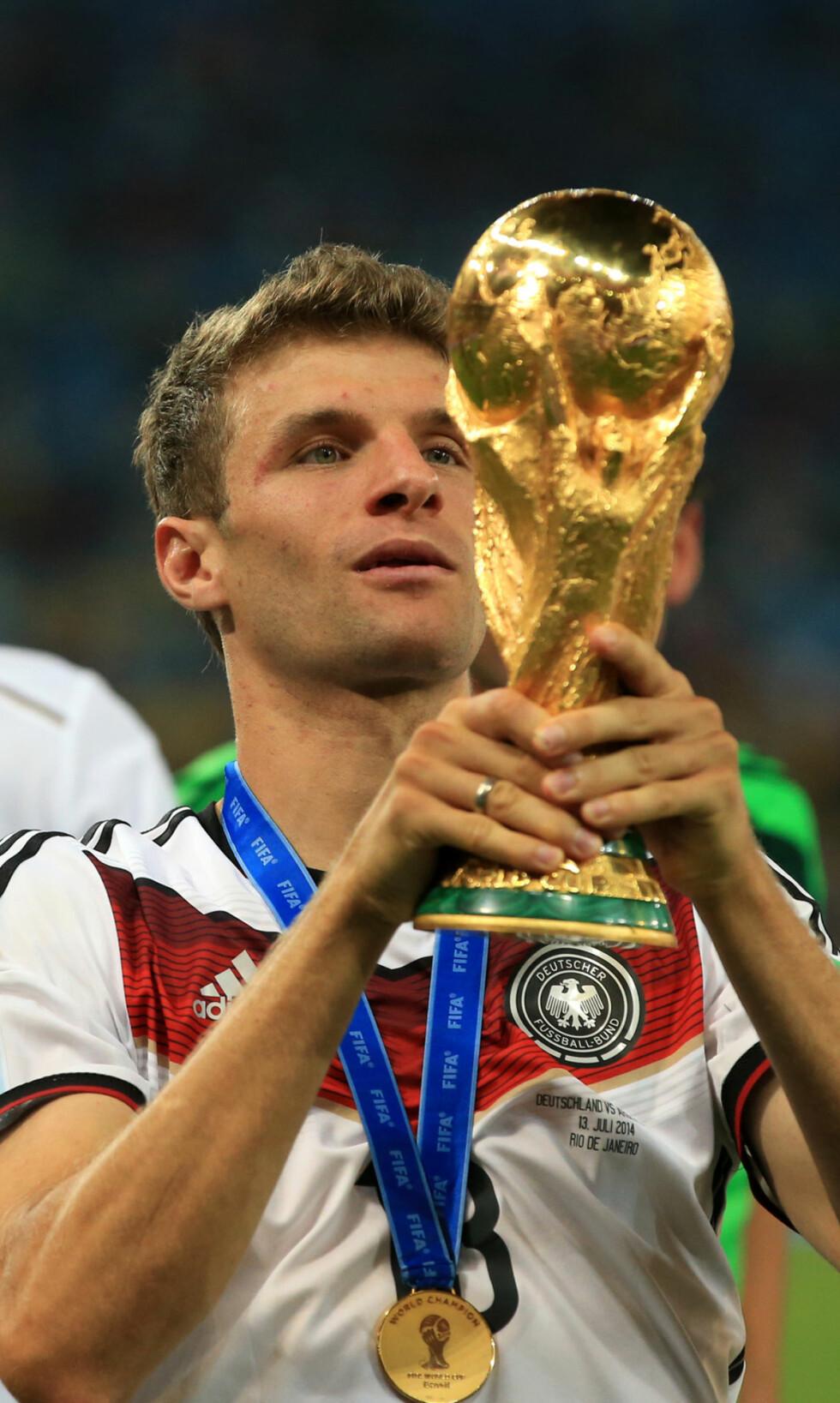 Best i test: Tysklands Thomas Müller burde vært kåret til VMs beste spiller, men fikk seierspokalen å kjæle med. Blir det et nytt stort mesterskap på Müller og Tyskland? Foto: Nick Potts, Pa Photos