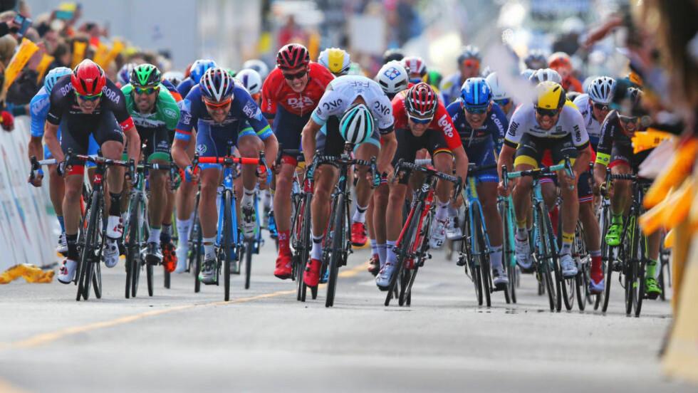 NEDERLANDSK SEIER: Pieter Weening slo hele gjengen. Her fra oppløpet på den første etappen, onsdag. Foto: Trond Reidar Teigen / NTB scanpix