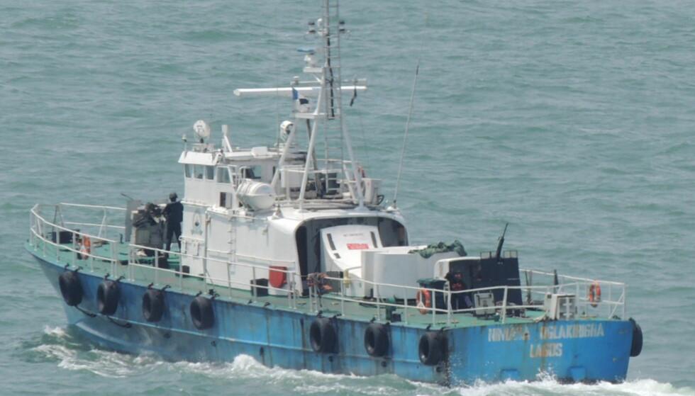 <b>I NIGERIA:</b> Slik ser KNM «Terne» ut i dag. Utstyrt med to 20 millimeter maskinkanoner, en mitraljøse, og væpnede krigere om bord, drev den tidligere norske missiltorpedobåten jakt på pirater og skatteinnkreving langs Bonny River i Nigeria. Etter det Dagbladet kjenner til er båtene nå i arrest hos nigerianske myndigheter. Foto: Privat.