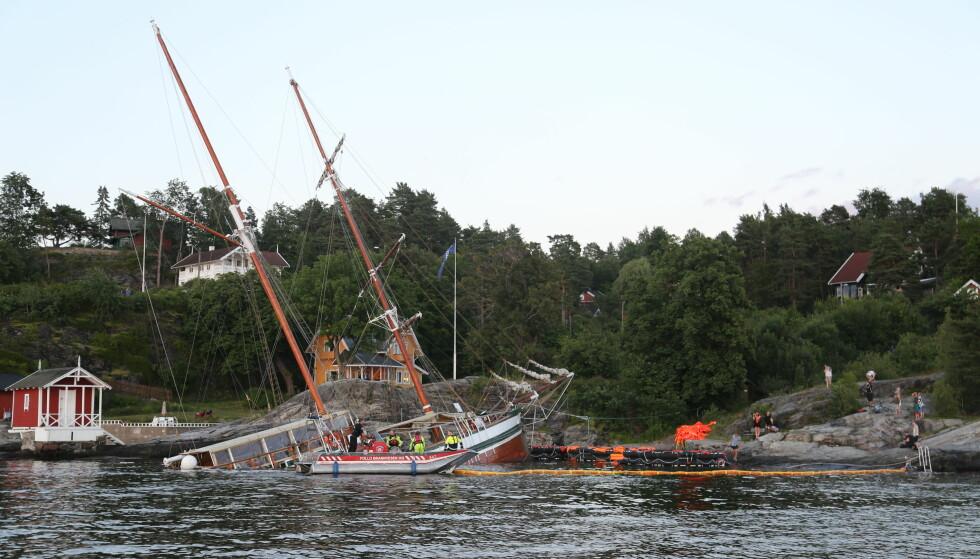 <strong>BÅT KANTRET:</strong> Seilskuta «Johanna» har sunket utenfor Nesoddtangen i indre Oslofjord. Foto: Daniel Dale Laabakk / Tipser.no